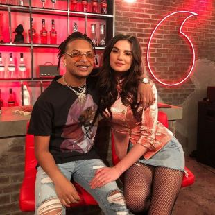 "Ronnie Flex & Maan deden hun nummer 1 hit ""Blijf bij mij"" live bij The Voice Of Holland"